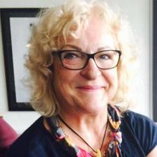 Karina  Lomholt logo