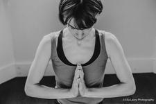Ruth Hawkins Yoga logo