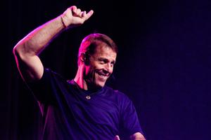 TONY ROBBINS: UNLEASH THE POWER WITHIN /NETWORKING