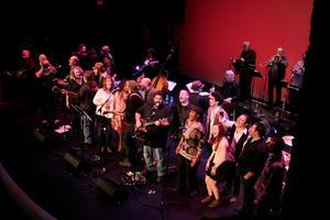 THE LAST WALTZ LIVE: An All-Star Re-Creation Of THE BAND's...
