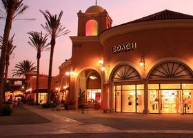 San Diego Shopping Tour to Las Americas Outlet