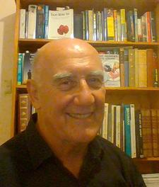 Peter Nicholls, Australia's People Gardener - Growing Better People logo