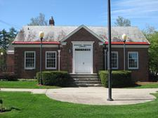 Burnham Memorial Library logo