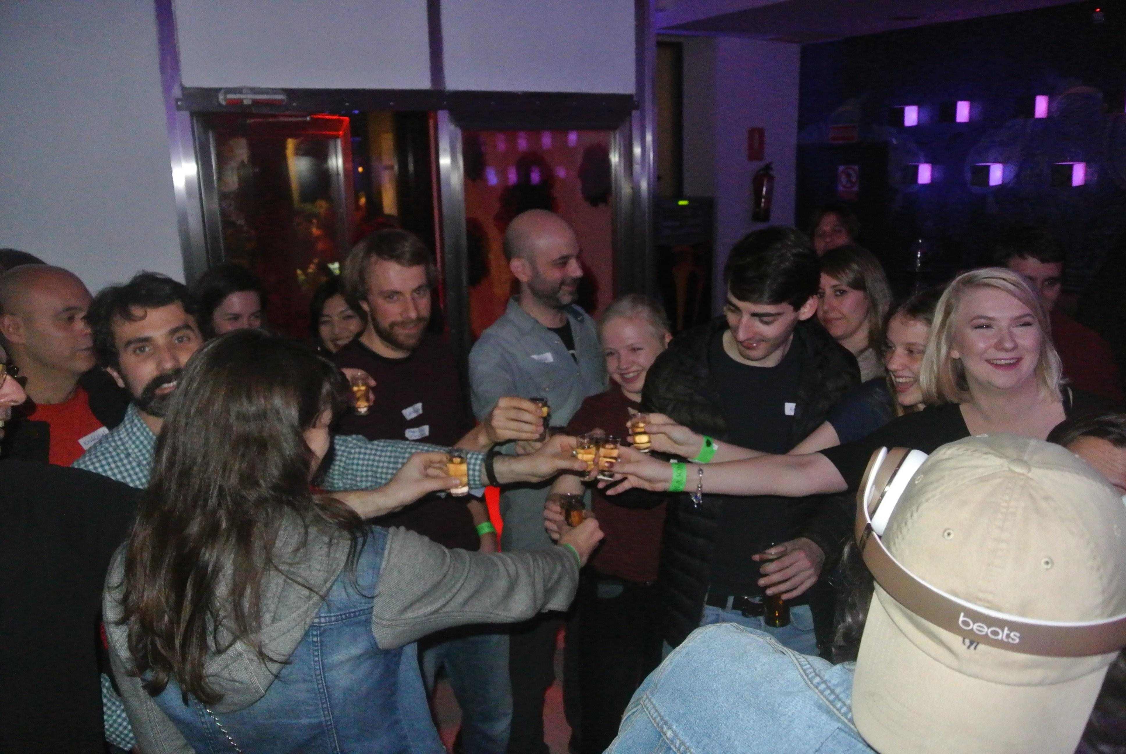 Language Exchange & Party in Madrid on Friday - Mingle & Party