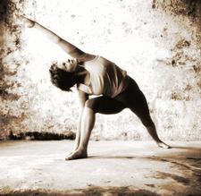 Waratah Karleu Yoga logo