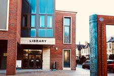 Trafford Libraries logo