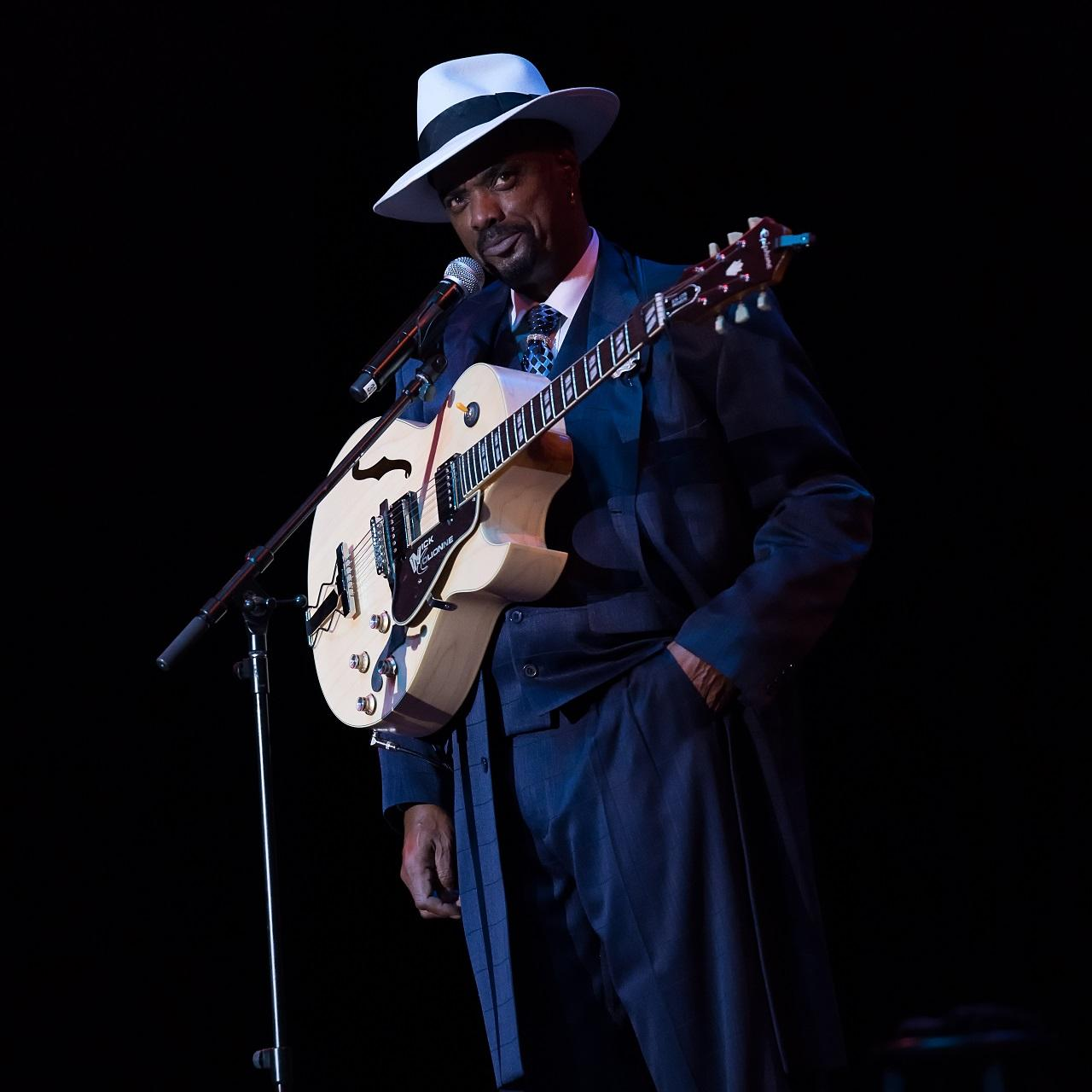 Nick Colionne Live at Suite