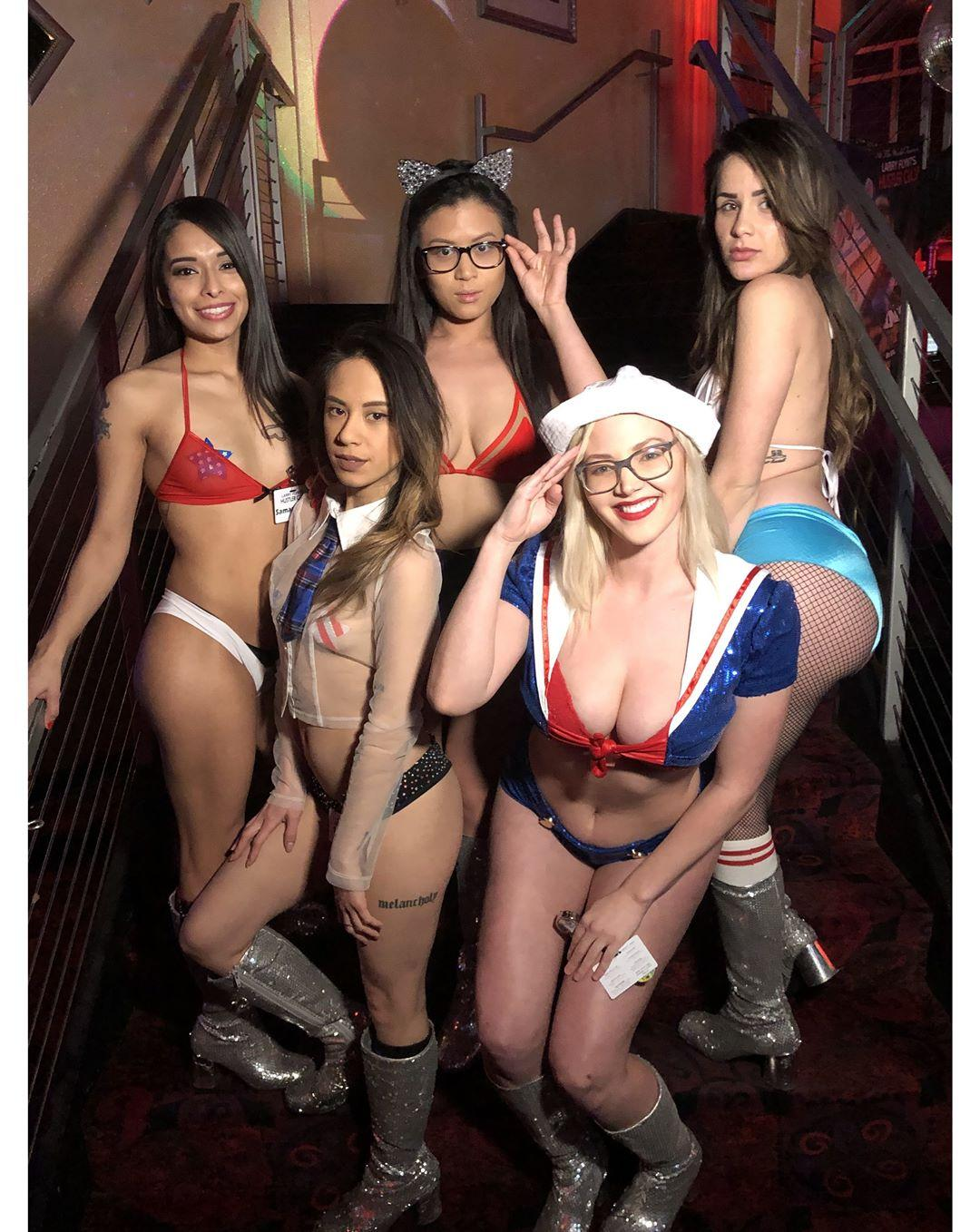 Larry Flynt Hustlers Club Vegas - Free Transportation - No Cover - Larry Flints Hustlers Las Vegas