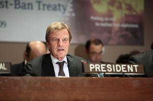 Al Jazeera 'Head to Head' with Mr. Bernard Kouchner