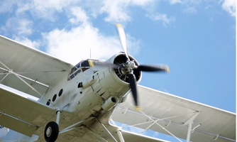 """酷玩俱乐部之""""冲上云霄""""---飞机驾驶体验"""