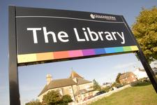 Gloucestershire Libraries logo