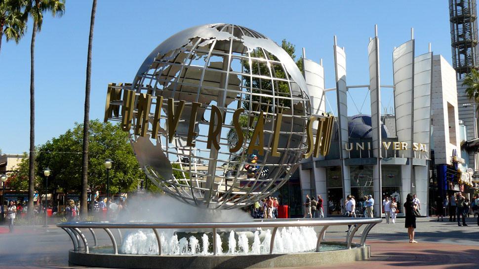 Universal Studios Hollywood Tour and Transportation