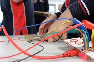 MaKey MaKey Your Own Game Controller (Sun 10 Aug 10AM...