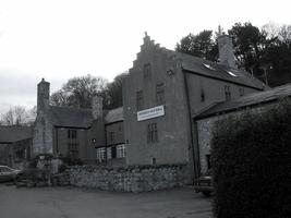 Penrhyn Old Hall Ghost Hunt, North Wales - with...