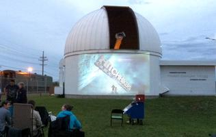 Pluie de météores des Perséides Cinéma en plein air &...
