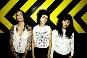 THE COATHANGERS :: Don Quixote's Santa Cruz