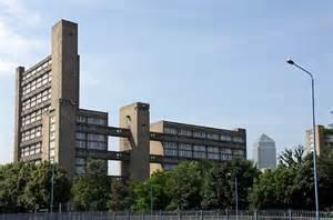 The London Society : Ernõ Goldfinger's Balfron Tower...
