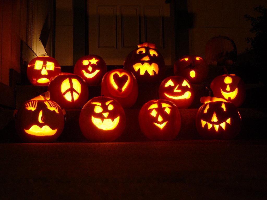 Patio Pumpkin Carving!