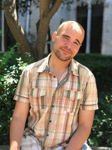 Luis Miguel Real, psicólogo especialista en adicciones logo
