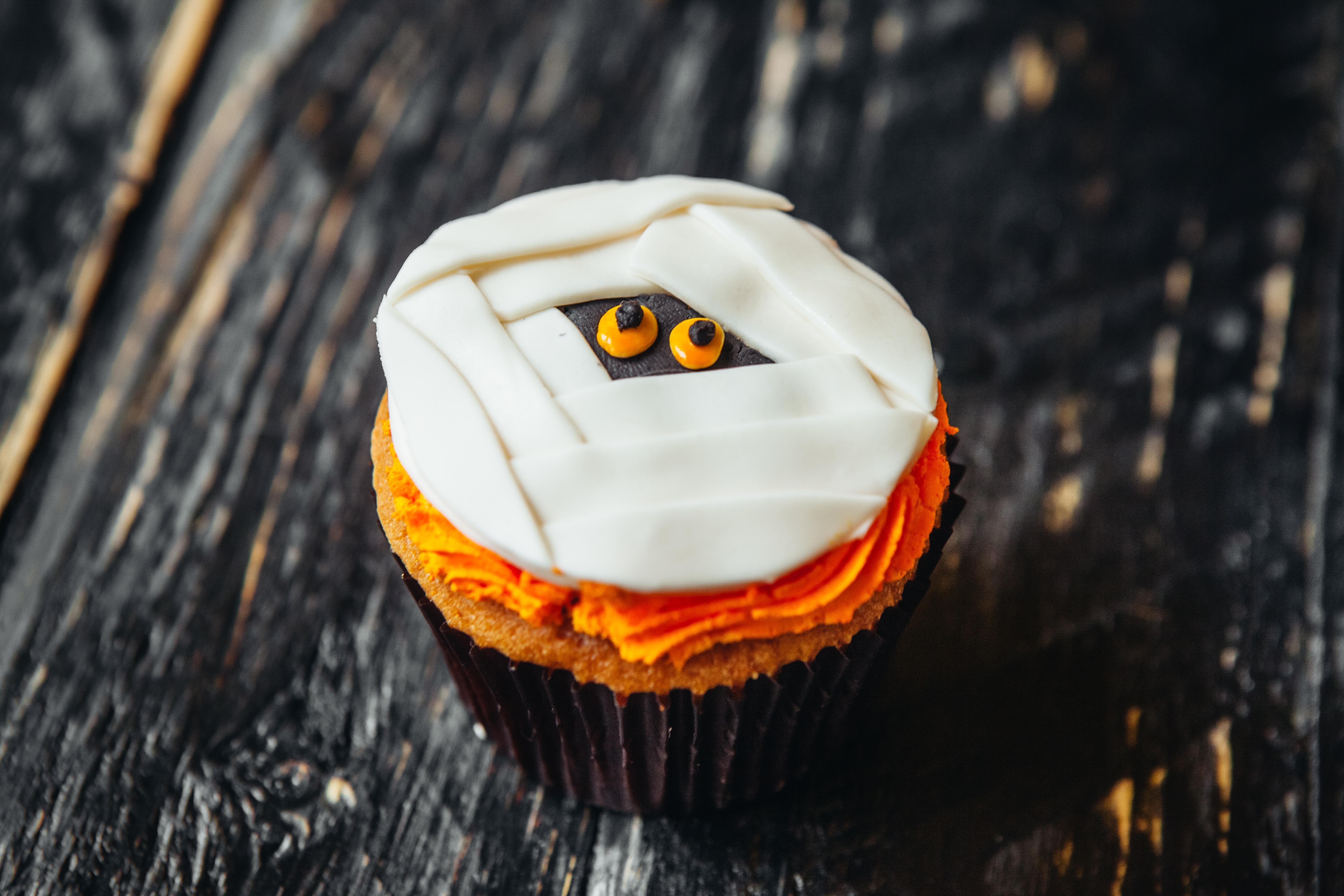Halloween Cupcake Decorating Event