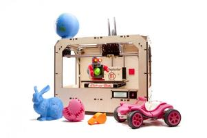 3-D Printing on a MakerBot Replicator w/ Colin