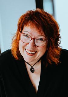 Manuela Engelking - Gründerin der Female Businessheroes logo