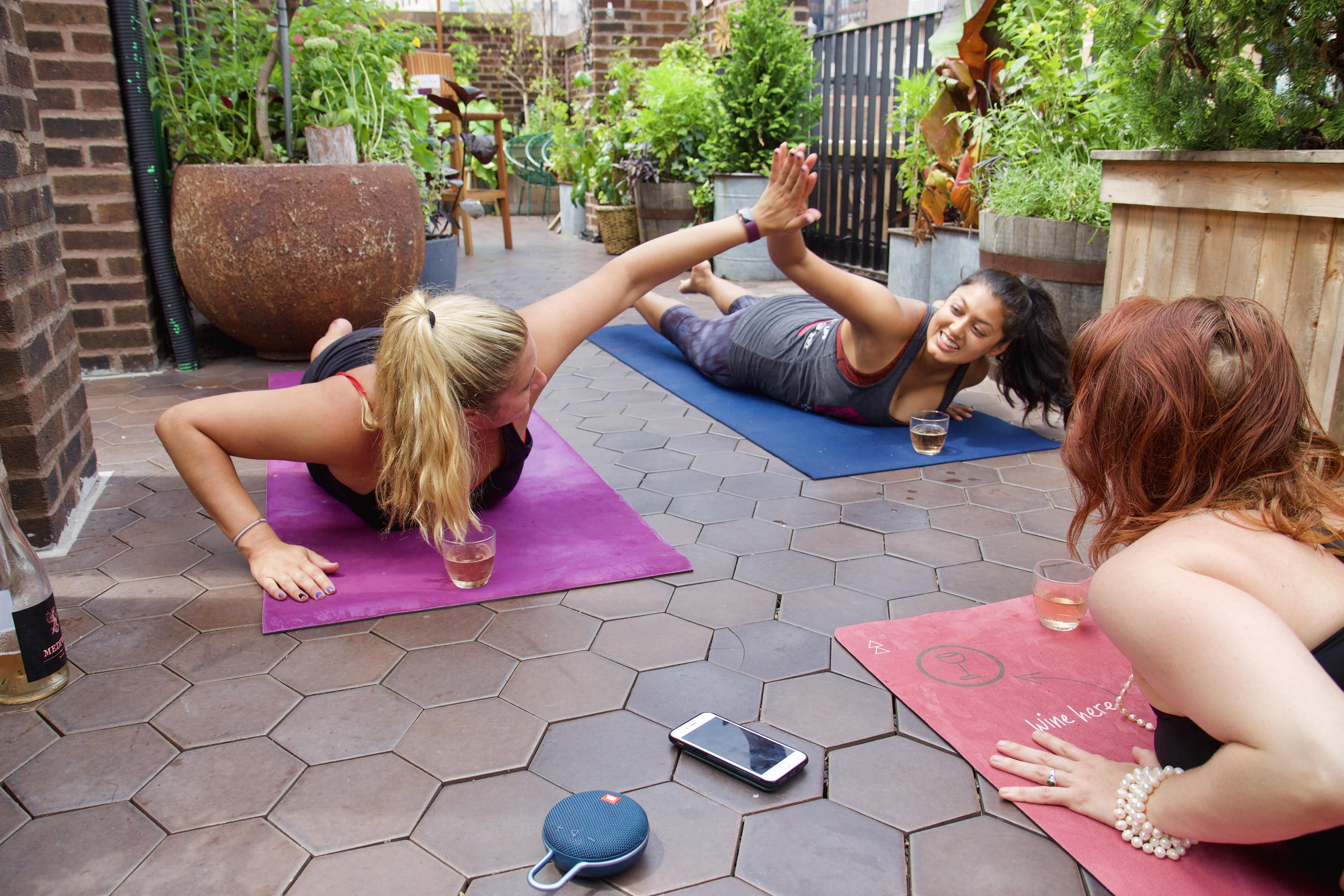 Drunk Yoga Nyc Presents Hair Of The Down Dog Yoga At Freehand Hotel S Broken Shaker Rooftop 1 Feb 2020