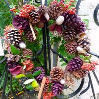 Christmas wreath-making: from tree to tinsel