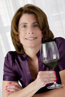 Hudson Valley Wine Goddess logo