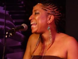 Julie Dexter Live at Acoustix