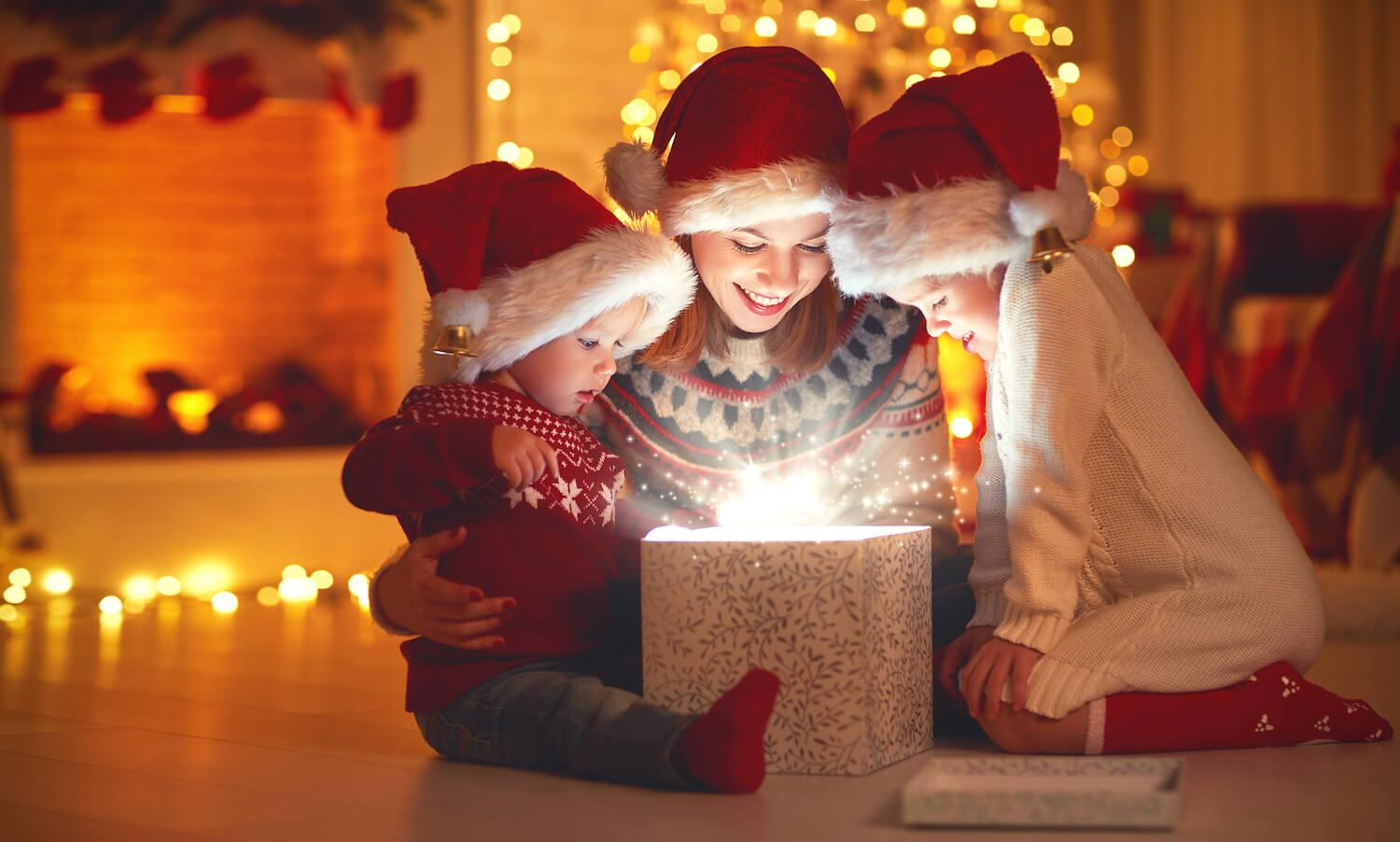 Christmas Memory Making Cell Phone Photographer!