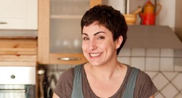"""""""Cucinare bene low cost """" con Giulia Scarpaleggia di..."""