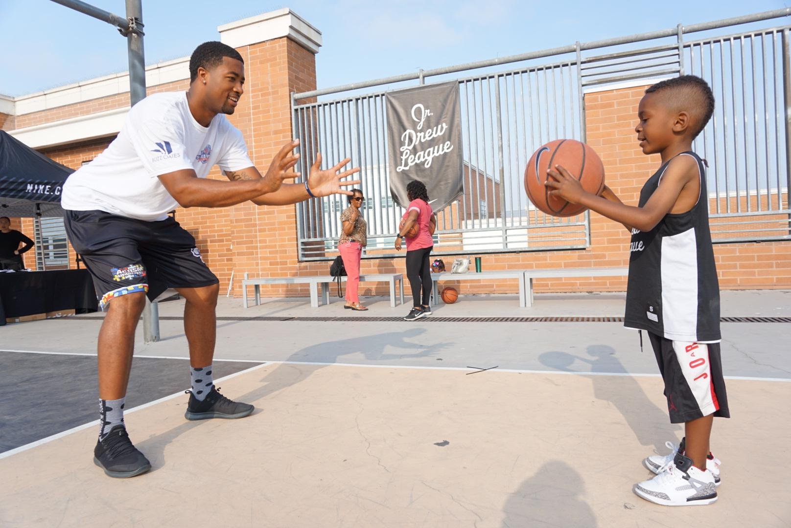 8-WEEK ADAPTIVE BASKETBALL CLASS FOR KIDS ON THE AUTISIM SPECTRUM