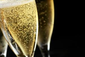 Complimentary Champagne & Sparkling Wine Tasting