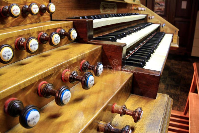Pipe Organ for Piano Players