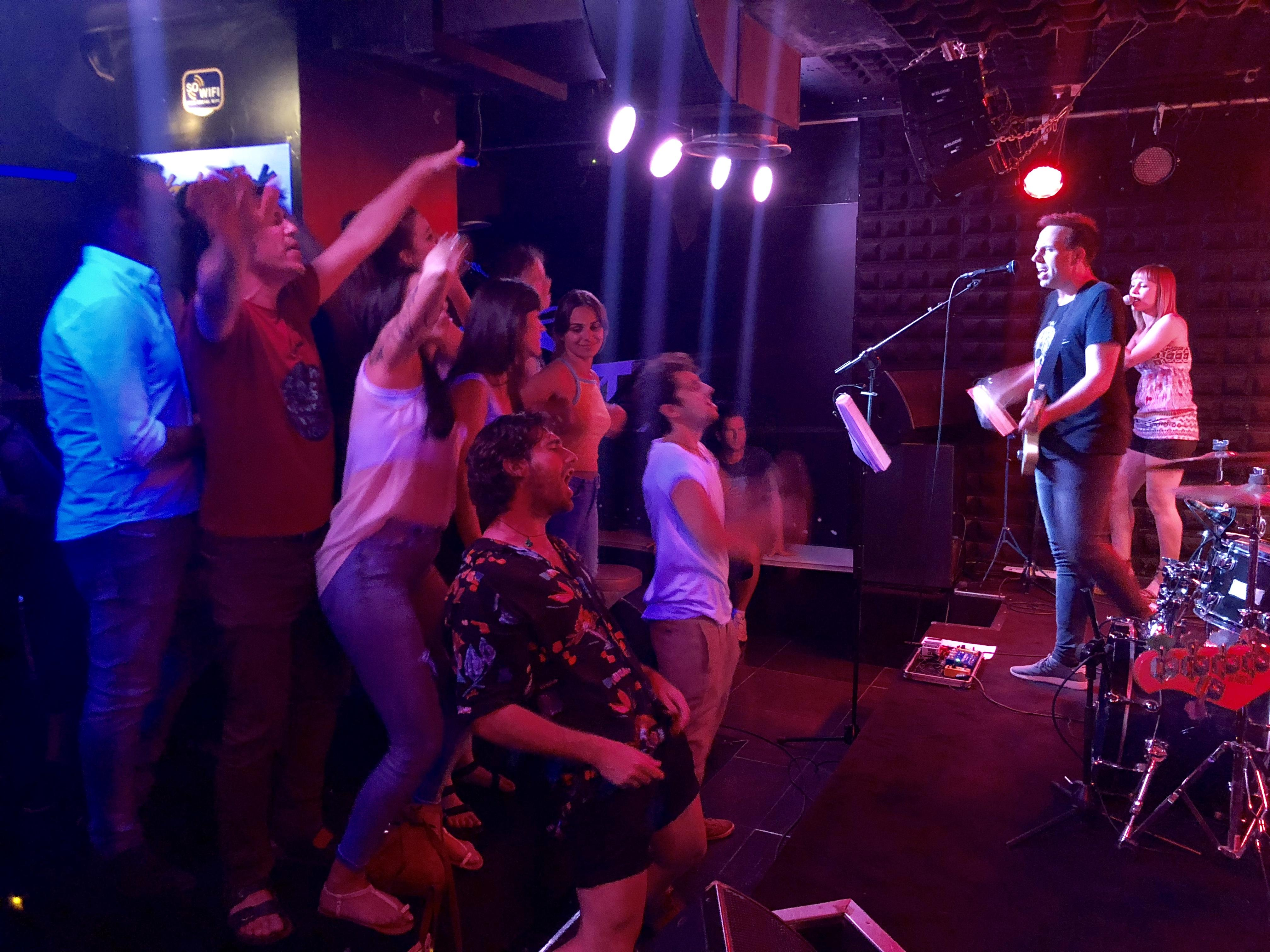 Discover Madrid's Live Music Scene / Ruta de música en vivo! Tuesday Night