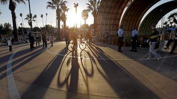 Los Angeles Walks: NoHo Neighborhood Impact Walk