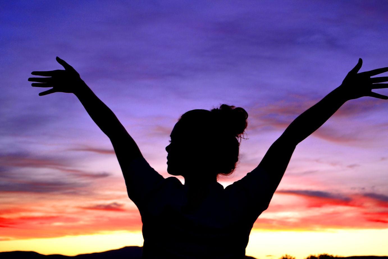 Radiant Woman: Access the Heart of Feminine Power with Kundalini Yoga + Dance