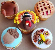 Thanksgiving Cupcake Decorating Event