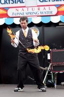 The Juggling Genius Daniel DaVinci from The Raspyni...