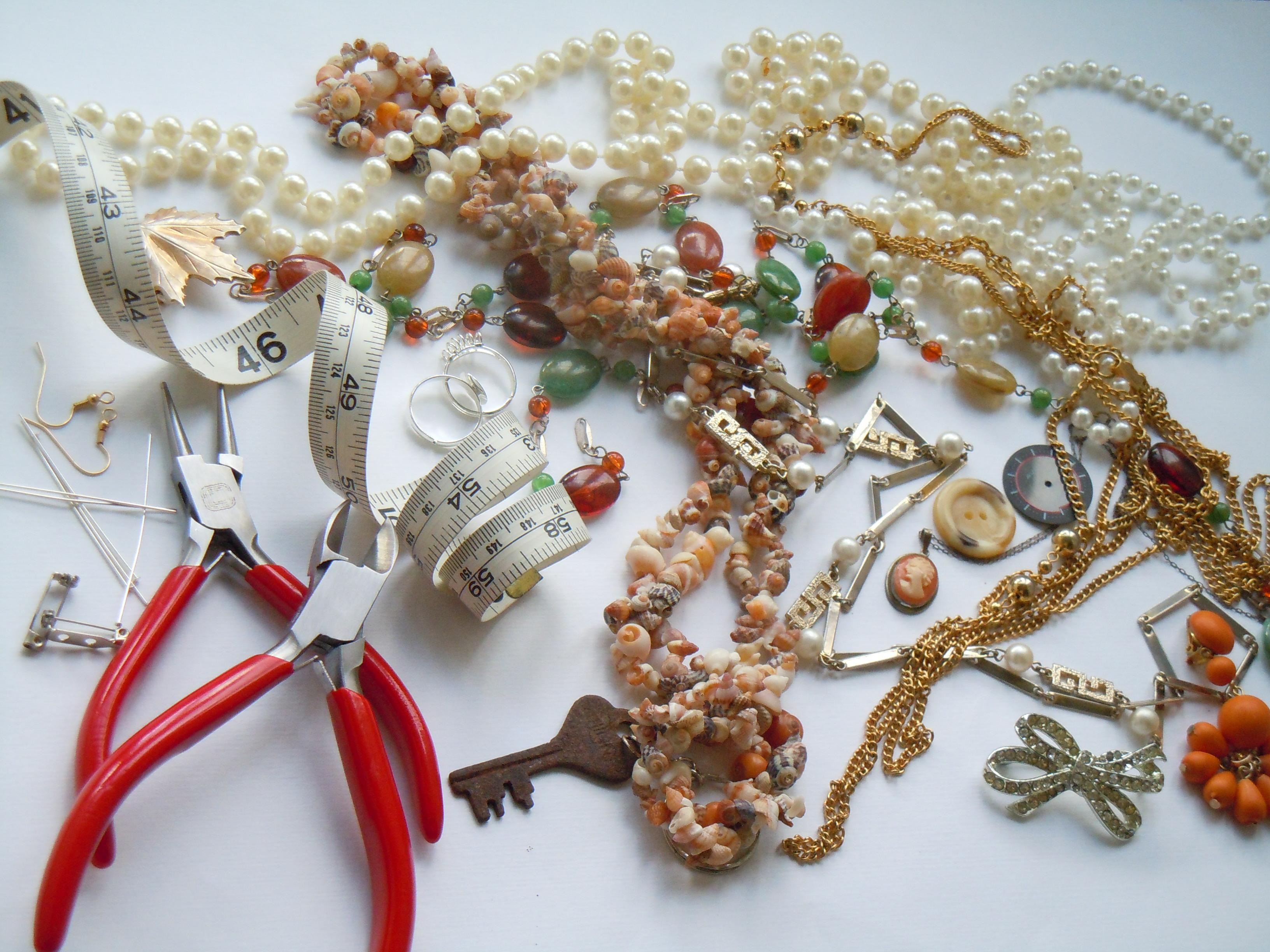 Recycled Jewellery Making Creative Craft Class