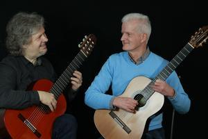 Gitarrenduo Alan Webb/Axel Schlichte spielt Werke aus...