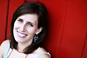 Edie Carey Performs in Watchung
