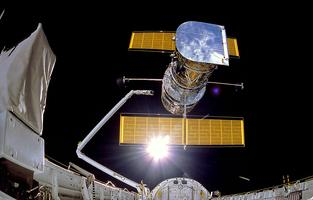 FROM PLANETS TO GALAXIES: 30 years of the Hubble Space...