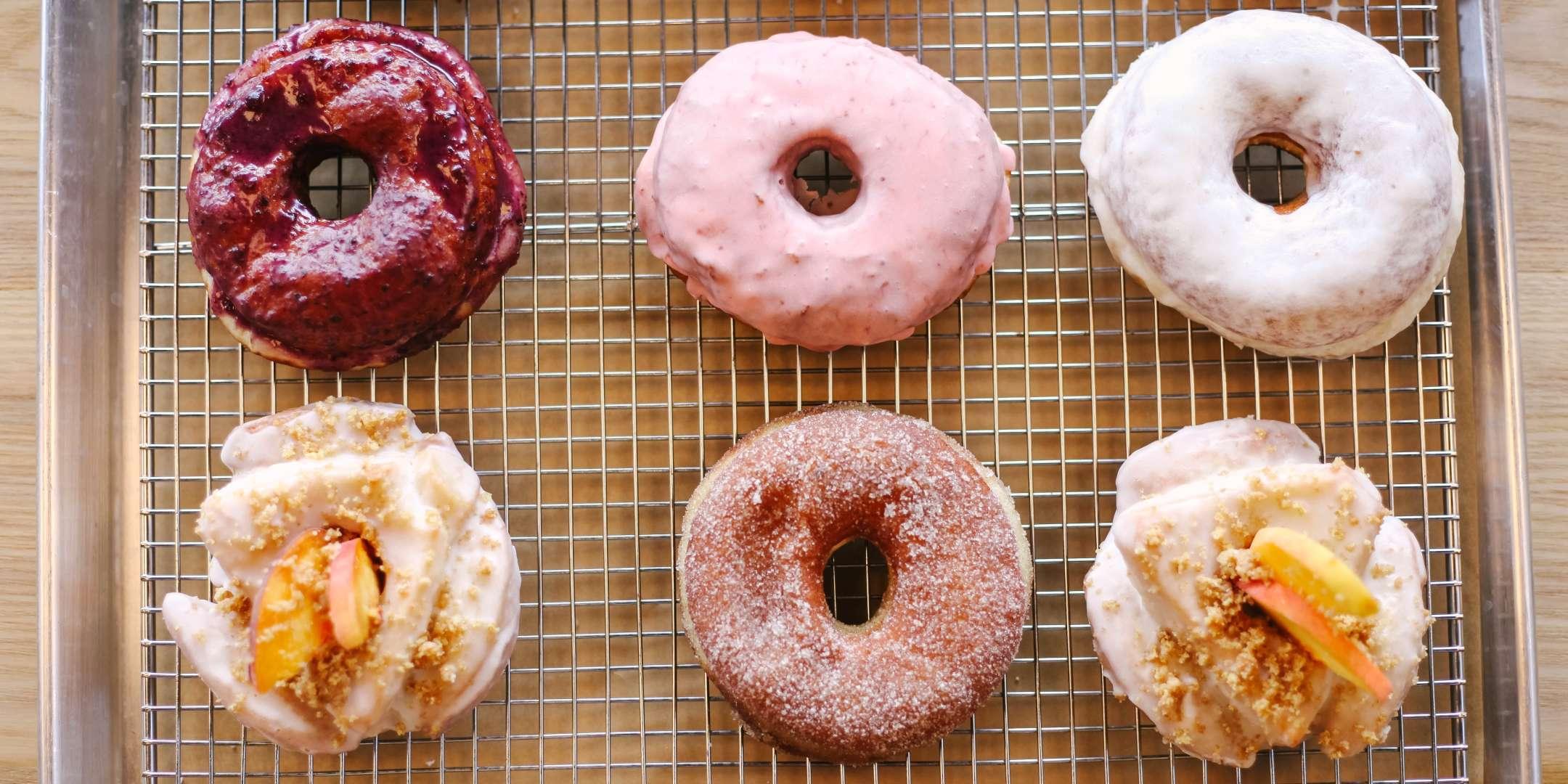 Doughnut Workshop - Team Building by Cozymeal™